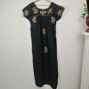VTG Mexican style embroidered dress
